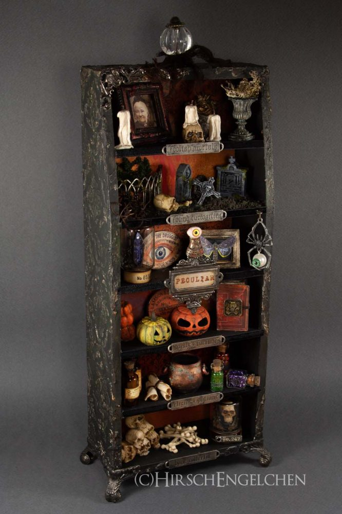 Spooky Halloween Diorama Finale