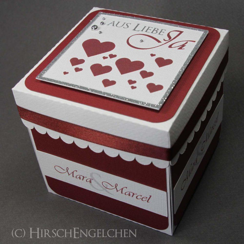 Rote Explosionsbox zur Hochzeit
